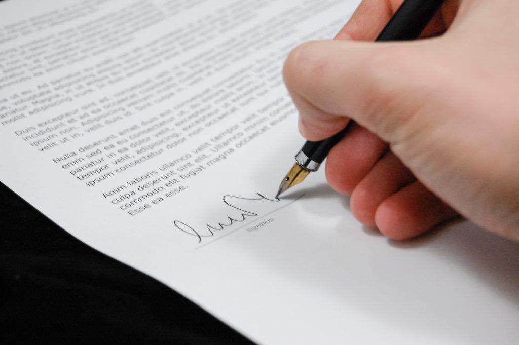 descargar-formato-contestacion-a-la-demanda-de-cumplimiento-de-contrato-y-otorgamiento-de-escritura