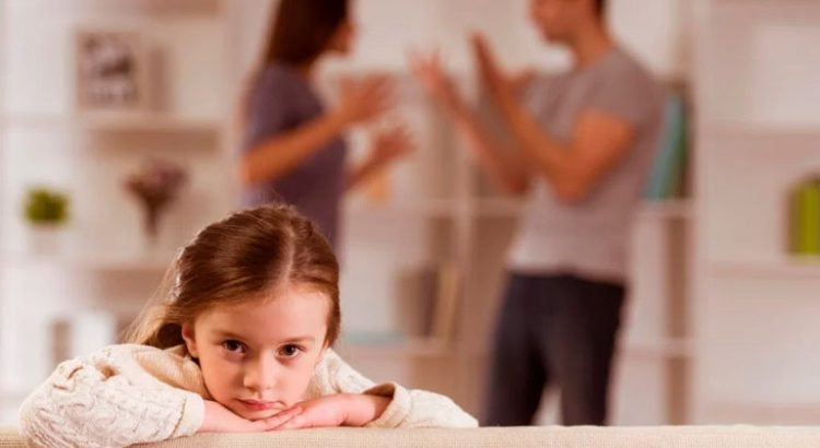 demanda-de-divorcio-necesario-sobre-la-causal-de-abandono